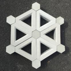 Gạch bông gió tam giác